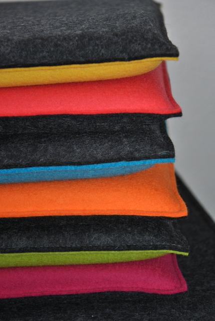 filz wissenswertes und impressionen sitzkissen aus filz 35 x 35 cm. Black Bedroom Furniture Sets. Home Design Ideas