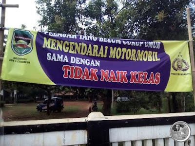 Ke Sekolah Naik Motor, Pelajar di Purwakarta Tidak Naik Kelas. Foto by Romadhoni Ririn