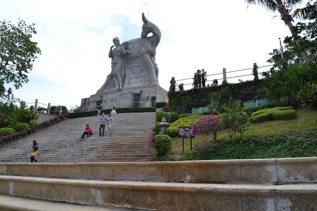 Deer Looking-back Sculpture at Luhuitou Peak - 7D5N Hainan Best Deals (opsi A)  X'Mas & New Year 2018 - Salika Travel