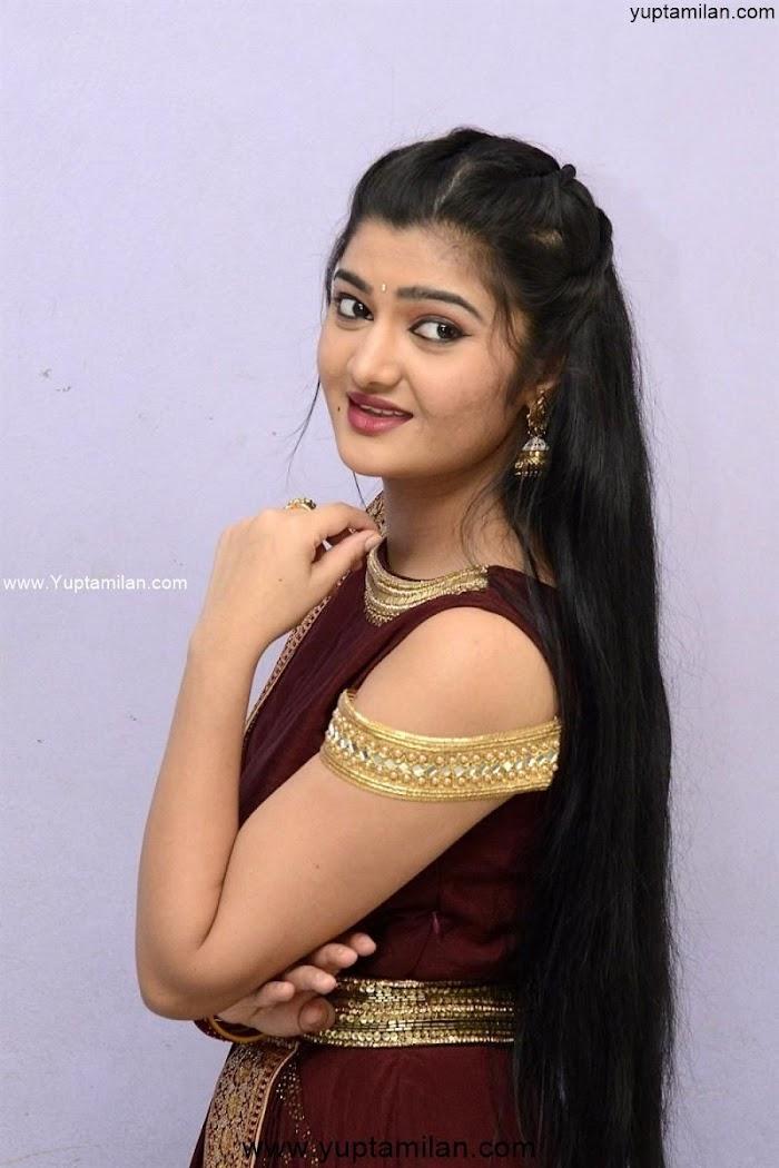 Actress Akshitha Hot & Sexy Photos-Hot Navel show in Saree