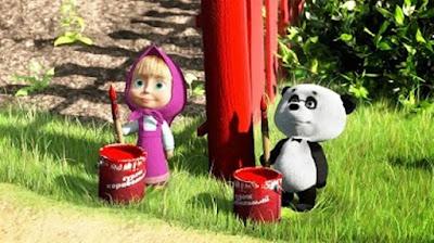 Gambar Masha dan Panda Mengecat Pagar