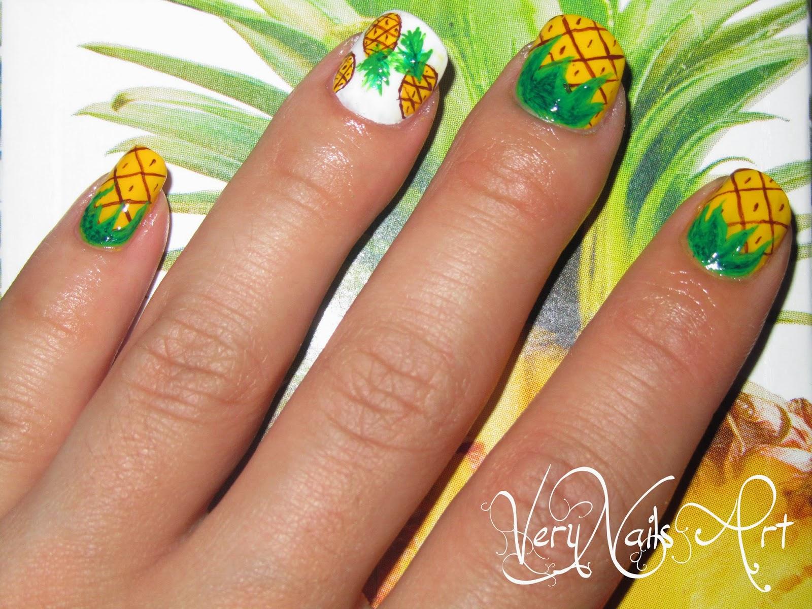 Uñas decoradas de Piña