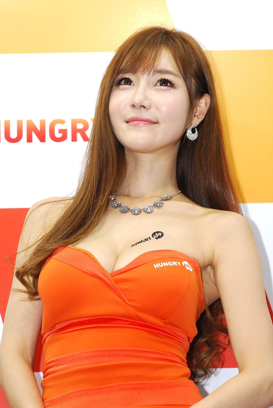 Ryu Ji Hye - G-Star 2011 ~ Cute Girl - Asian Girl