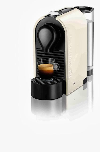 Cafetera Nespresso U, color blanco crema
