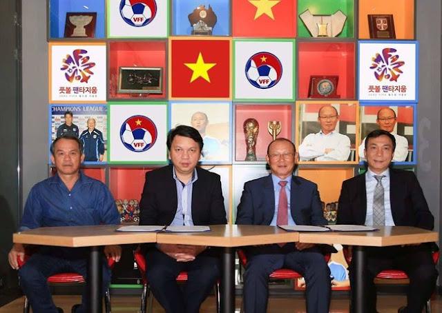 Huấn luyện viên bóng đá U23 Việt Nam Park Hang seo