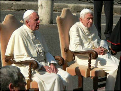 Resultado de imagem para Francisco visitou, ontem (23) sexta-feira, o papa emérito Bento XVI