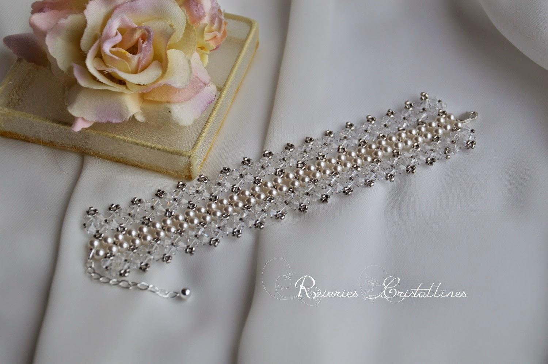 Bracelet large en perles nacrées et cristaux