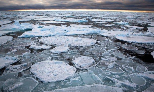 Effetto Cambio Climatico: Si rompe il più antico e spesso ghiacciaio dell'Artico.