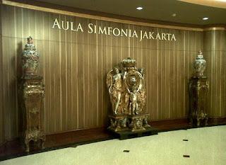 http://www.teluklove.com/2017/04/daya-tarik-objek-wisata-aula-simfonia.html