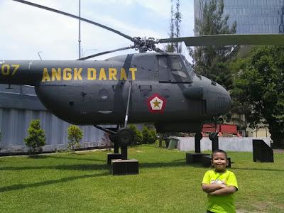 Pusat sejarah TNI MUSEUM SATRIAMANDALA