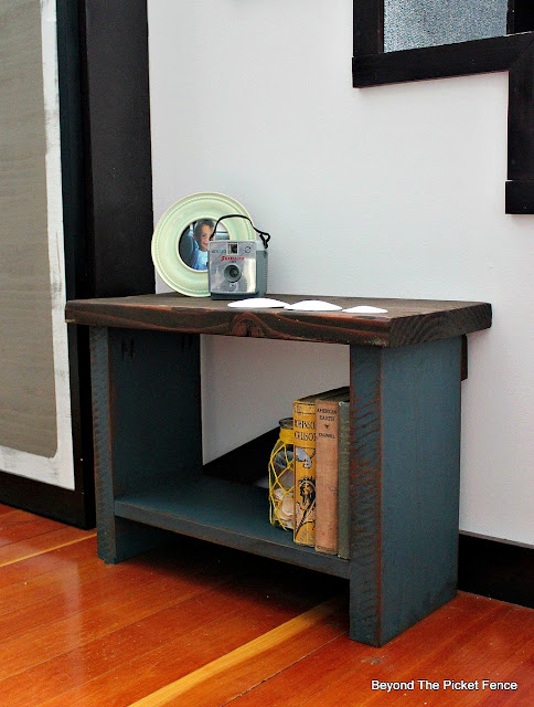 bench, reclaimed wood, side table, rustic, paint, stain, http://goo.gl/8nQZN1