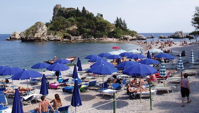Praia Isola Bella em Taormina