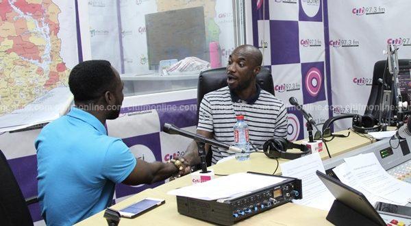 Okyeame Kwame, Kwabena Kwabena urge DJs to play more Ghanaian music - EOnlineGH.Com