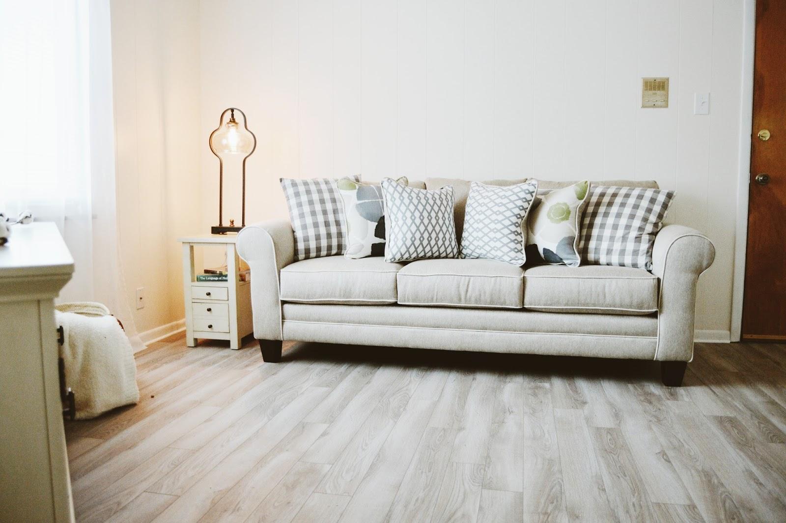 The Joyful Tribe: Tiffani\'s Living Room Reveal