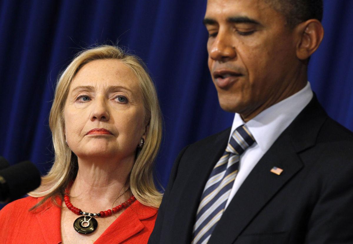 Clinton usó correos personales como oficiales y Obama aprobó negocios con empresa rusa