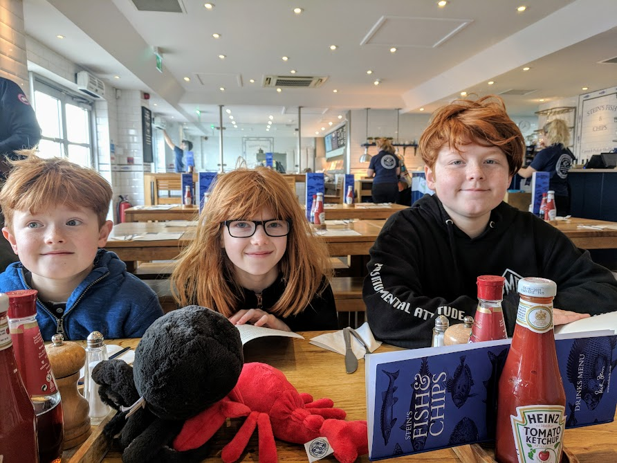 A Morning in Padstow : What to do with Kids  - Stein's fish and chips interior