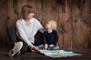 ibu harus bisa menjadi pendengar  yang baik