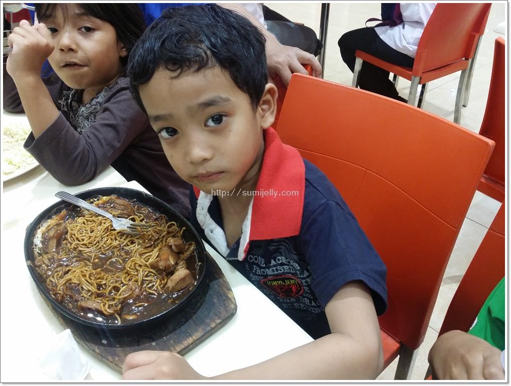 Sumijelly Weblog Bila Huzaiman Suka Makan