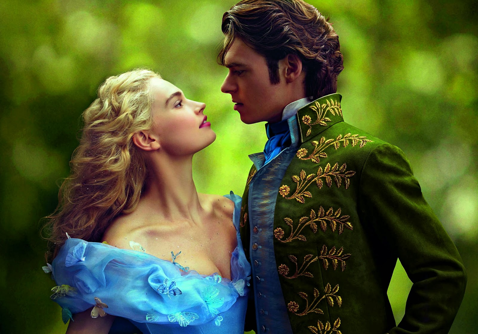 'Cinderella' (2015):  Of Mice, Magic and Midnight, a Magical Adaptation of a Classic. Review snippet of the 2015 Disney film. All text © Rissi JC