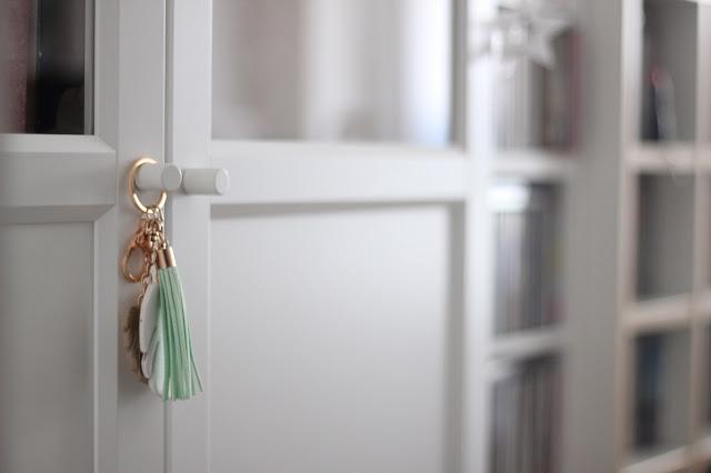 maituins-deco-despacho-billy-estanteria-puertas-ikea