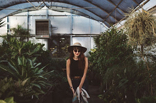 https://pixabay.com/en/greenhouse-girl-plant-young-1031540/