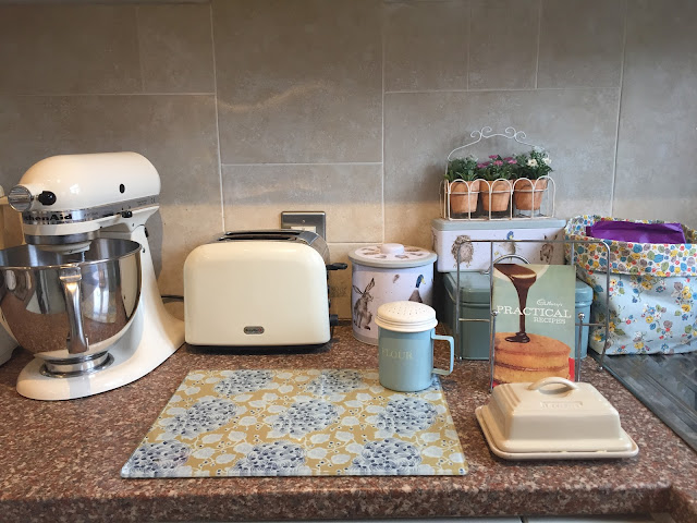 Mrs Bishop's Vintage Kitchen