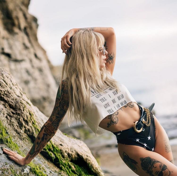 Alysha Nett tattoo model