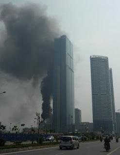 Incendio in un grattacielo di Hanoi