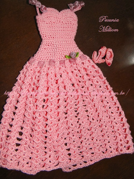 Barbie com Vestido de Festa de Crochê Modelo 2  Criação de Pecunia M. M. 8