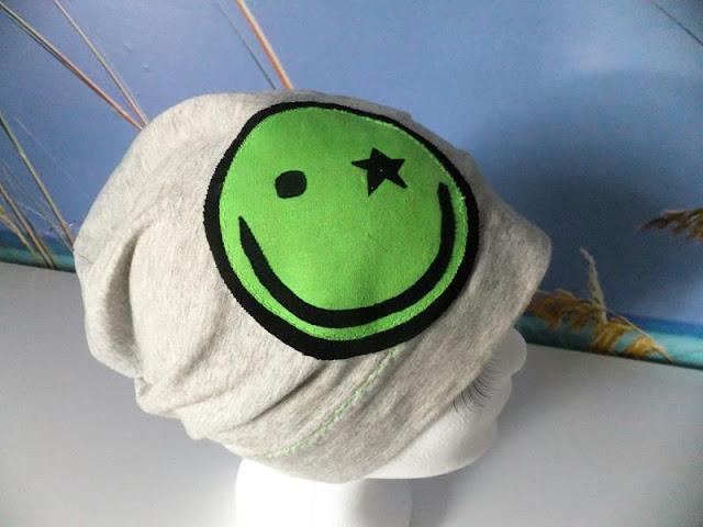 Beanie mit grünem smily
