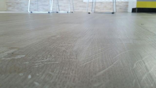 piso vinílico marca atlantis cor ls151 cor clara bege