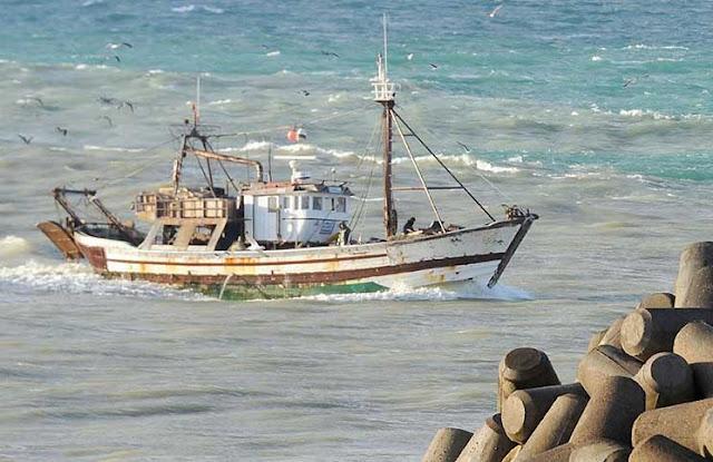 تيار وسط مسؤولي مفوضية الاتحاد الاوروبي, يطالب بتجميد اتفاقية الصيد البحري مع المغرب