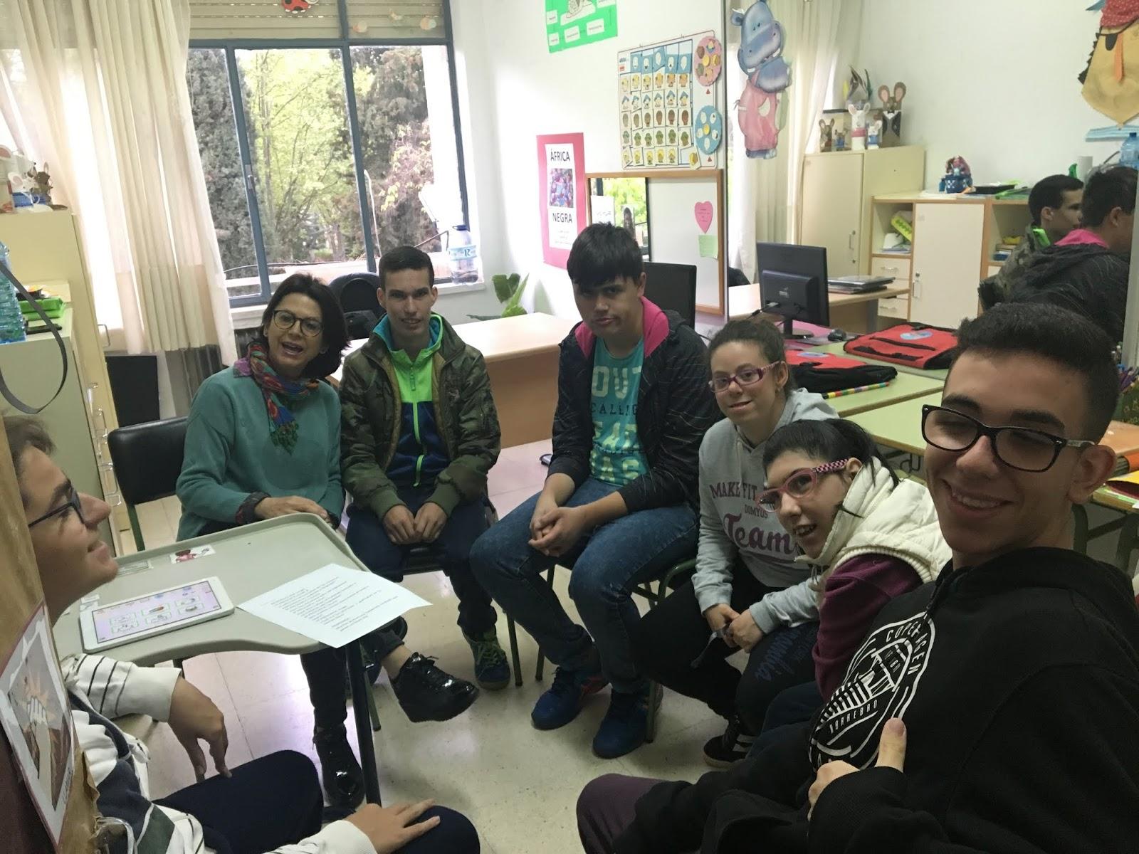88a23a9fd Hemos estado en su aula y allí nos ha contado cosas muy interesantes sobre  el trabajo que realizan las maestras especialistas en Audición y Lenguaje.