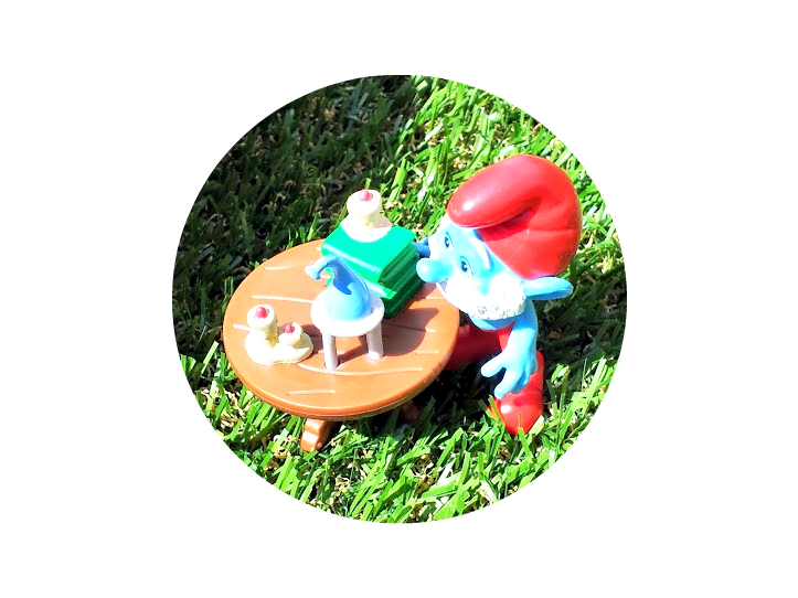, Peer into our own Smurf Peephole!  Papa Smurf Mushroom House Giveaway #competition