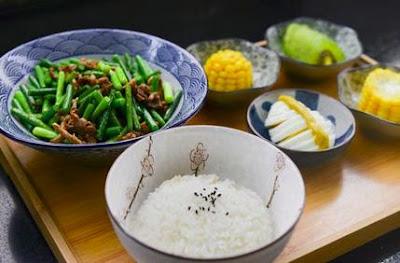 Nasi menggemukan badan