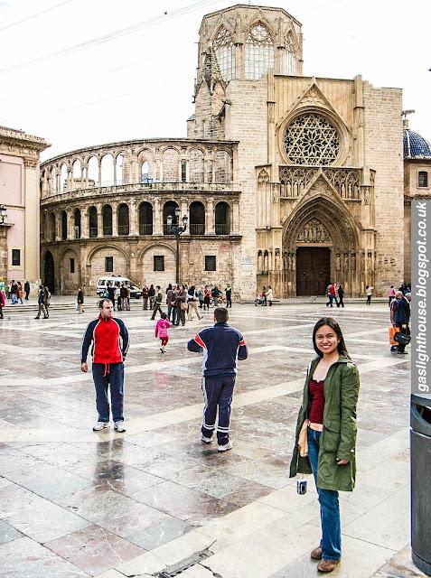 gaslightstories.blogspot.com Catherine Batac Walder Hello, Universe Erin Entrada Kelly Valencia Cathedral Spain