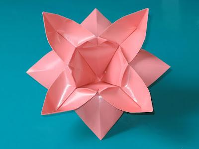 Origami Fiore ad otto petali - Flower with eight petals by Francesco Guarnieri