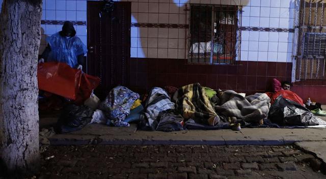 Tijuana mayor says arrest caravan organizer, vows to stop funding migrants