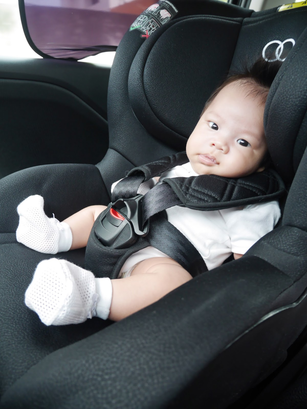 Careentan com review koopers mambo car seat and koopers sleigh baby cot