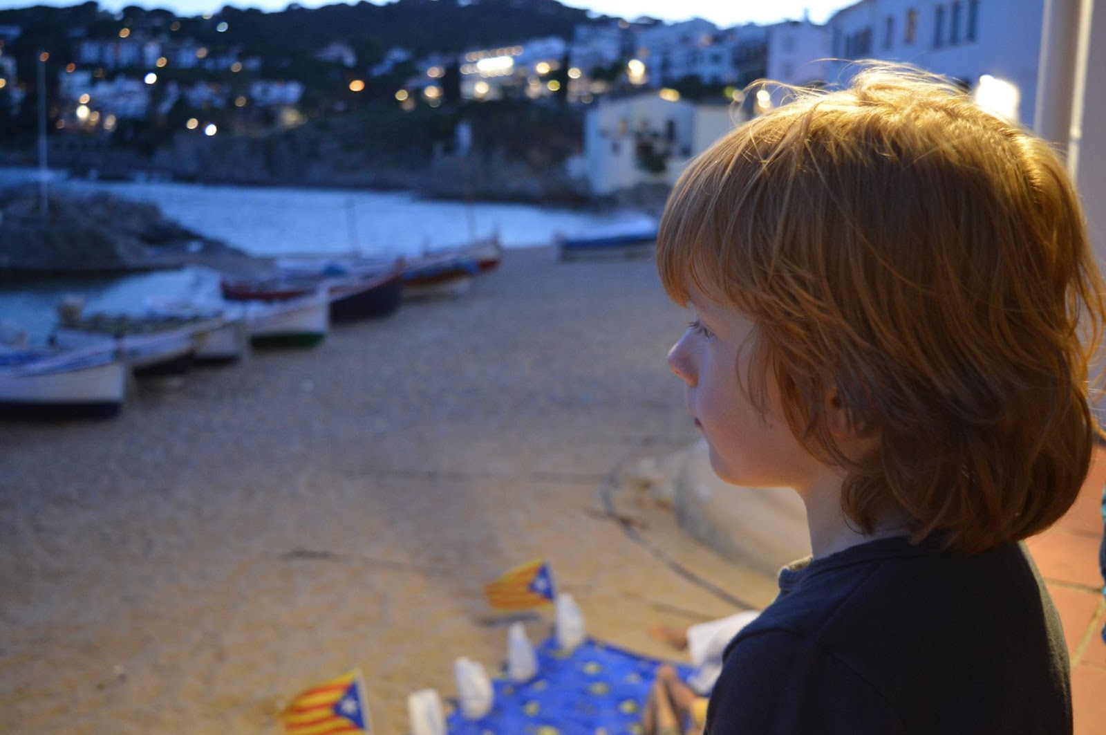 A Dad's Top 10 Holiday Essentials #MarkWarnerDad - Jack looking out to sea