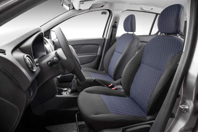 Novo Renault Sandero 2017 - interior - espaço dianteiro