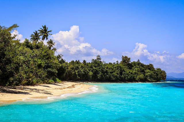 Eksotisme Pantai Kulur, Pulau Saparua