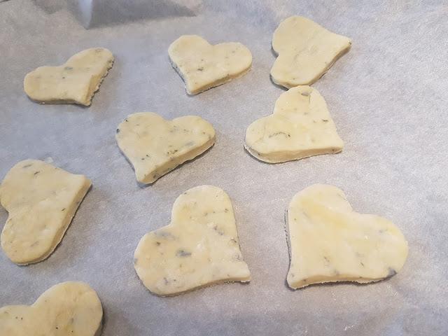 biscotti salati ai formaggi a forma di cuore idee biscotti san valentino