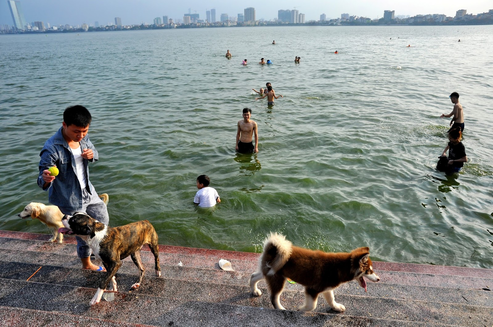 Trave to Hanoi - average temperature in Hanoi in July