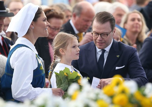 Queen Silvia, Crown Princess Victoria, Prince Daniel, Princess Estelle, Prince Carl Philip, Princess Sofia, Princess Madeleine and Christopher O'Neill