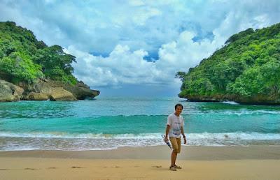 Foto Cantik Wisata Pantai Mbehi Malang