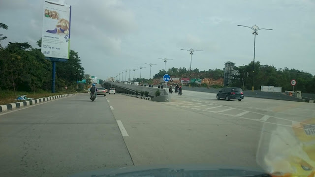 Simpang Jam, New Road Construction with Flyover, Batam - Image: Author