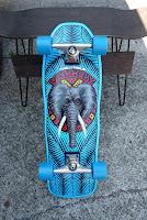 オールドスクールデッキ代表格のマイクバレリーエレファントスケートボード