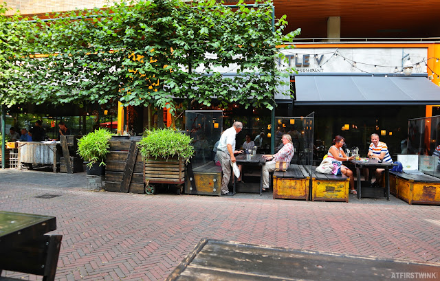 Little V vietnamese restaurant Rotterdam outdoor terrace trees greenery