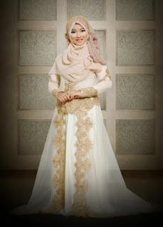 Busana pengantin muslim syar'i yang elegan